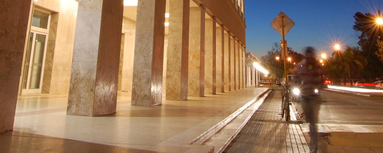 Fachada del Pabellón Argentina, en Ciudad Universitaria