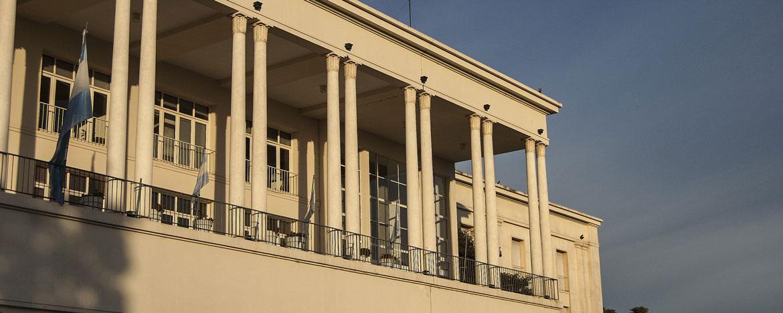 Fachada del Pabellón Argentina de la Universidad Nacional de Córdoba