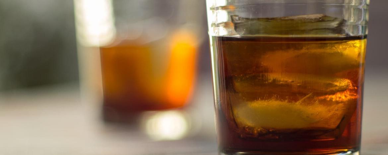 vasos con alcohol