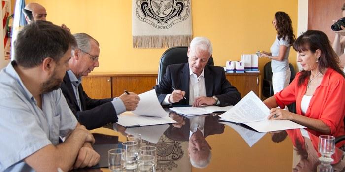 La UNC firmó un convenio con la Fundación Inclusión Social