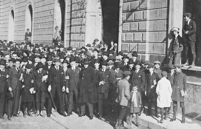 Manifestación frente al Rectorado