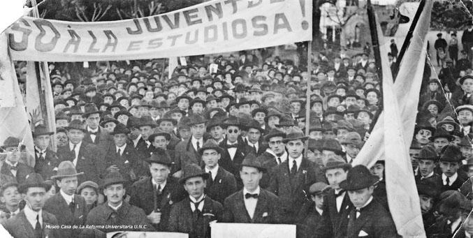 Marcha de estudiantes universitarios